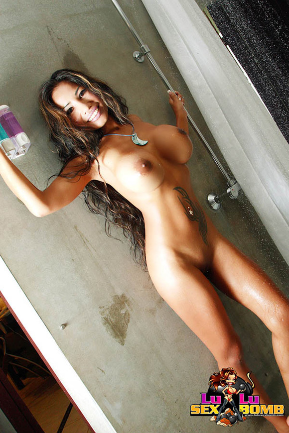 busty-thai-babe-lulu-shows-off-her-rack-while-showering